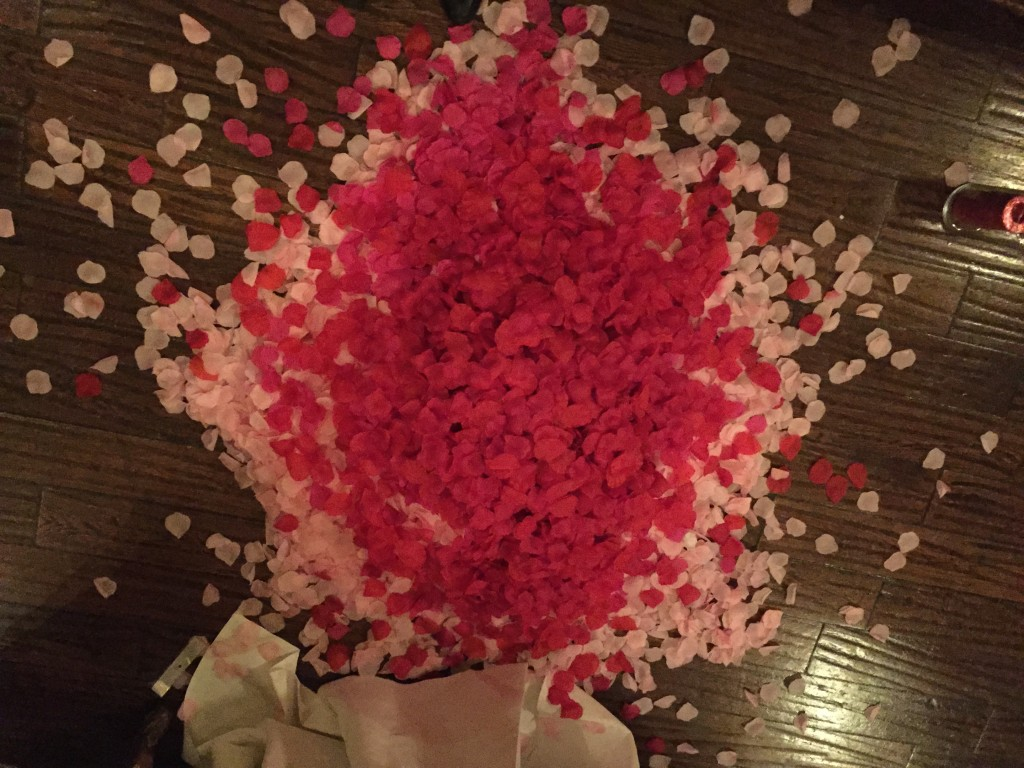What 30,000 rose petals looks like!