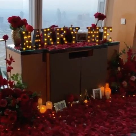 Proposal goals 🌹💓💍  A stunning romantic red rose and candle lit set up for our now groom-to-be and his beautiful soul mate.  We loved creating this totally jaw-dropping and dramatic dining proposal within a private suite at @theshardlondon @shangrilalondon 💍 After popping the question they enjoyed a three course dinner and champagne, whilst they took in the views of the entire London skyline, what a dream!   Congratulations to the wonderful couple on their engagement!   Planned by @theproposers 🌹 . . . . .   #engaged #shardproposal #childhoodsweetheart #engagementring #proposal #engagement #bridal #shesaidyes #isaidyes #fiance #engagementrings #gettingmarried #putaringonit #imengaged #proposals #imgettingmarried #hintlist #howheasked #taken #weddingring #soontobemrs #ring #theknot #proposalplanner #proposalideaslondon #shangrilalondon